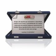 Placa de Homenagem Prata Dobrada com Estojo - PLC103