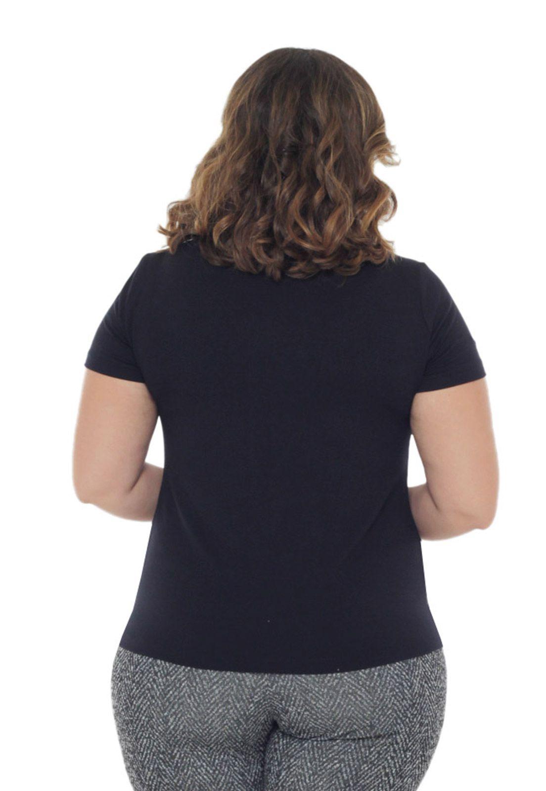 Blusa básica plus size gola careca
