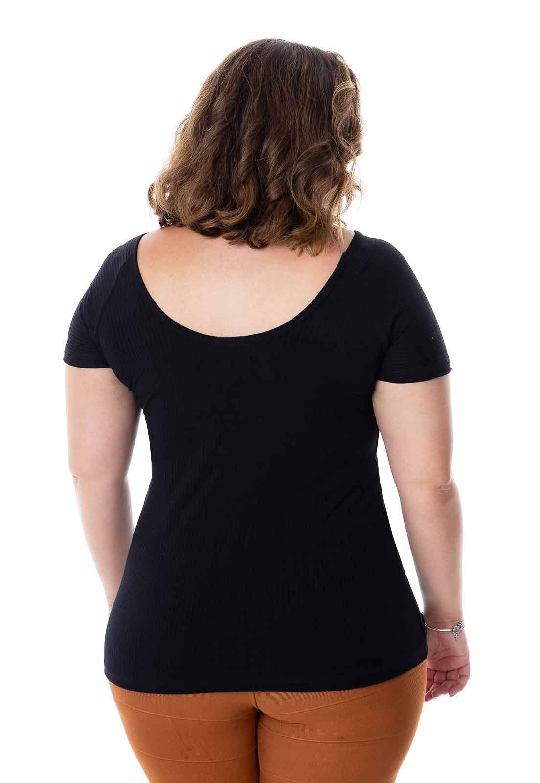 Blusa plus size ribana ombro a ombro.