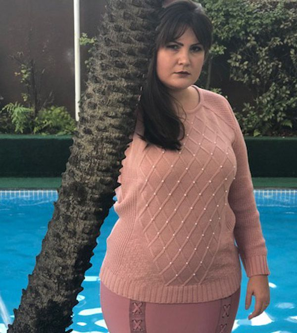 Blusa tricô bordada com pérolas