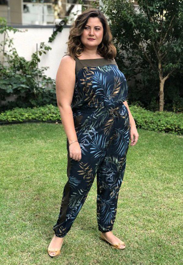 CALÇA PLUS SIZE ESPORTIVA ESTAMPADA MARINHO COM PESTO