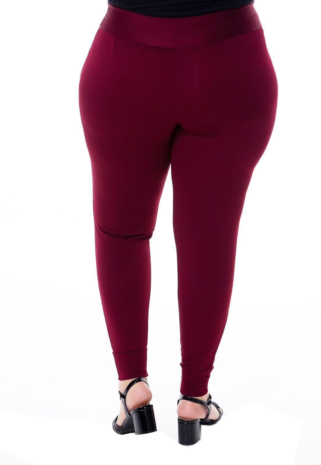 Calça plus size jogging de malha vinho