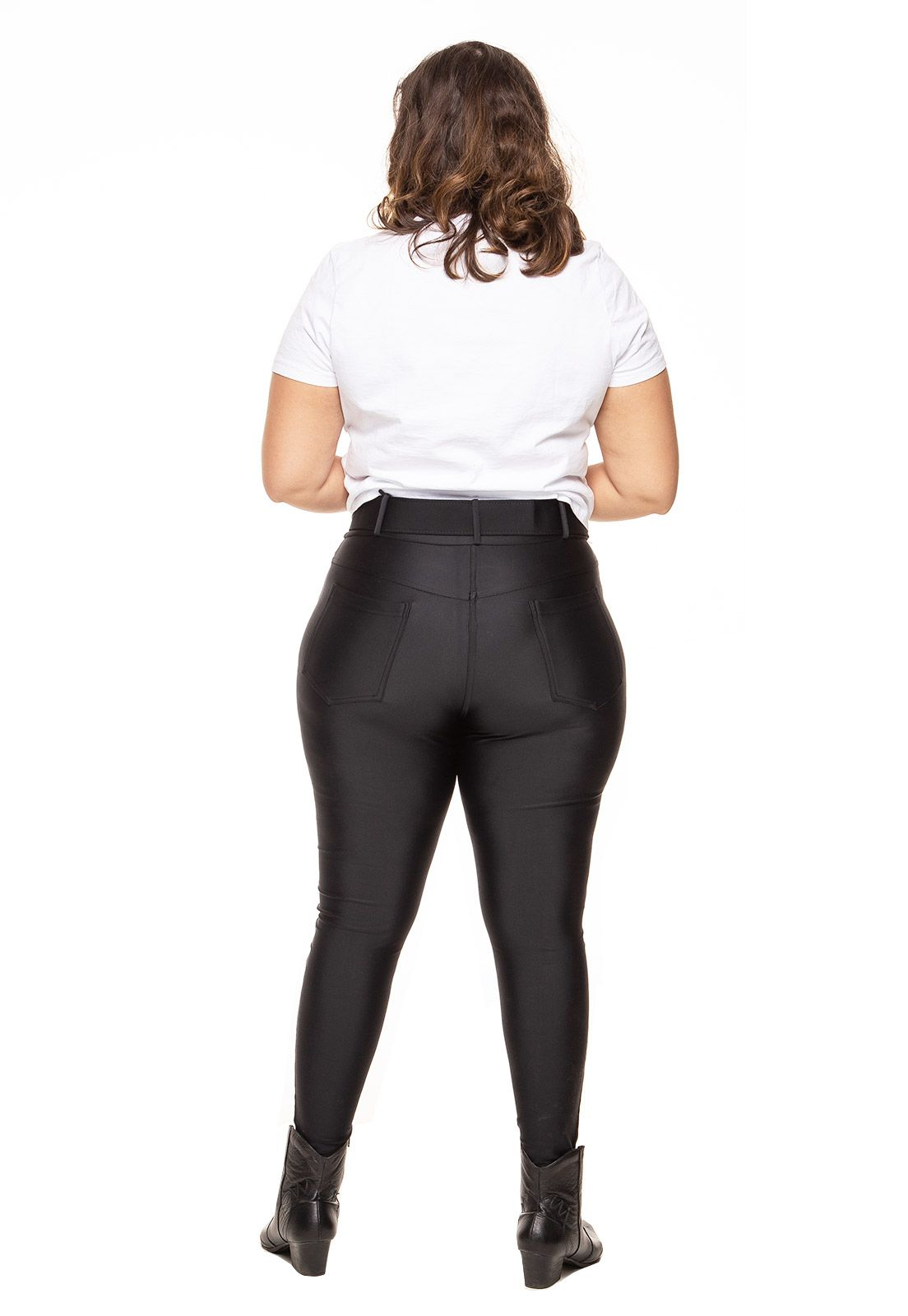 Calça plus size skinny power com recortes preta
