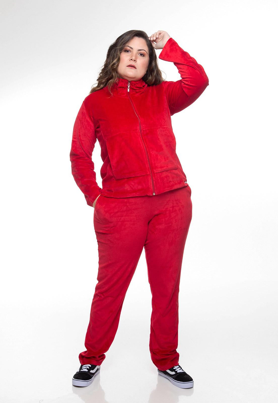 Conjunto em plush vermelho plus size