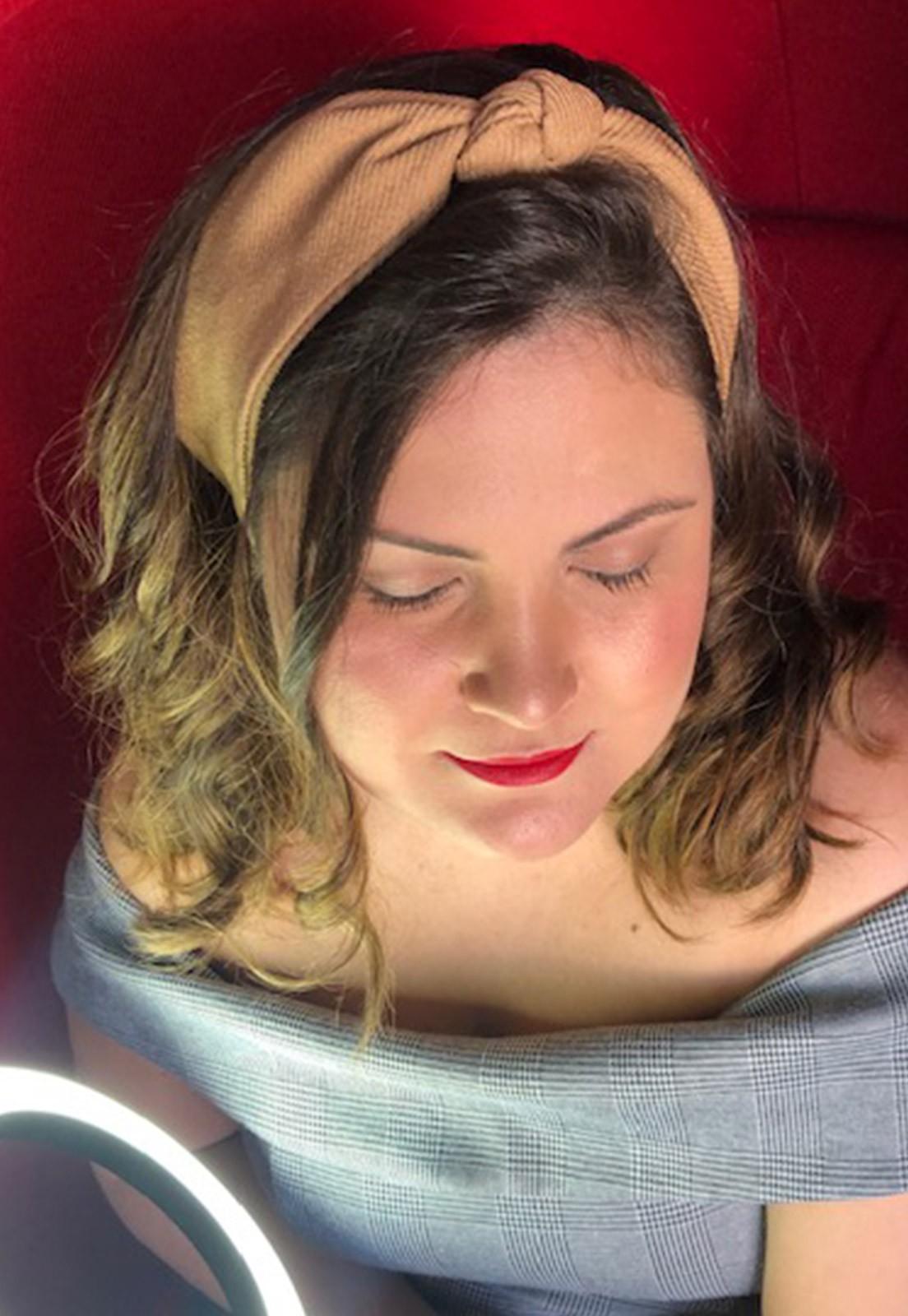 Faixa de cabelo nózinho bege