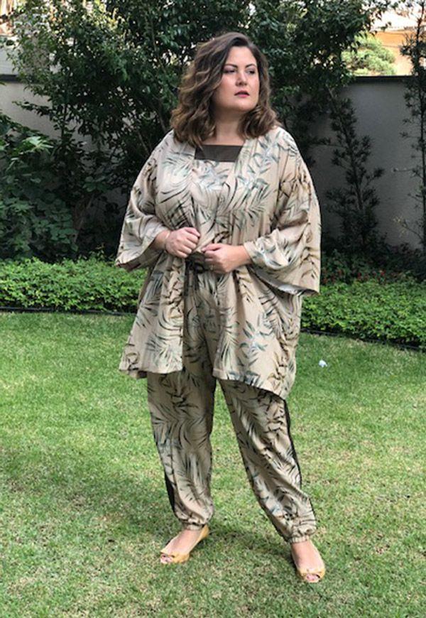 Kimono plus size estampado avelã