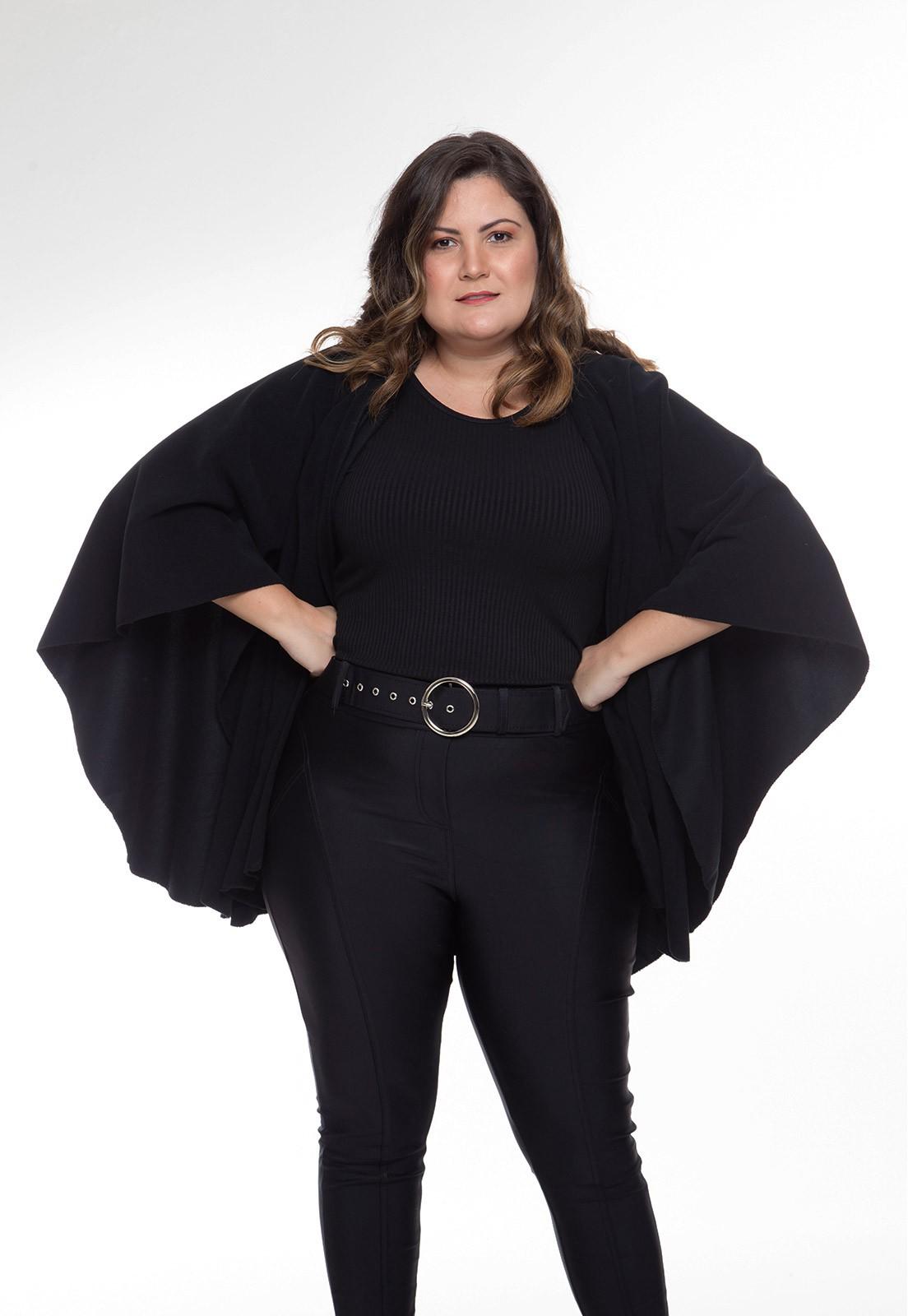 Pelerine em soft preto