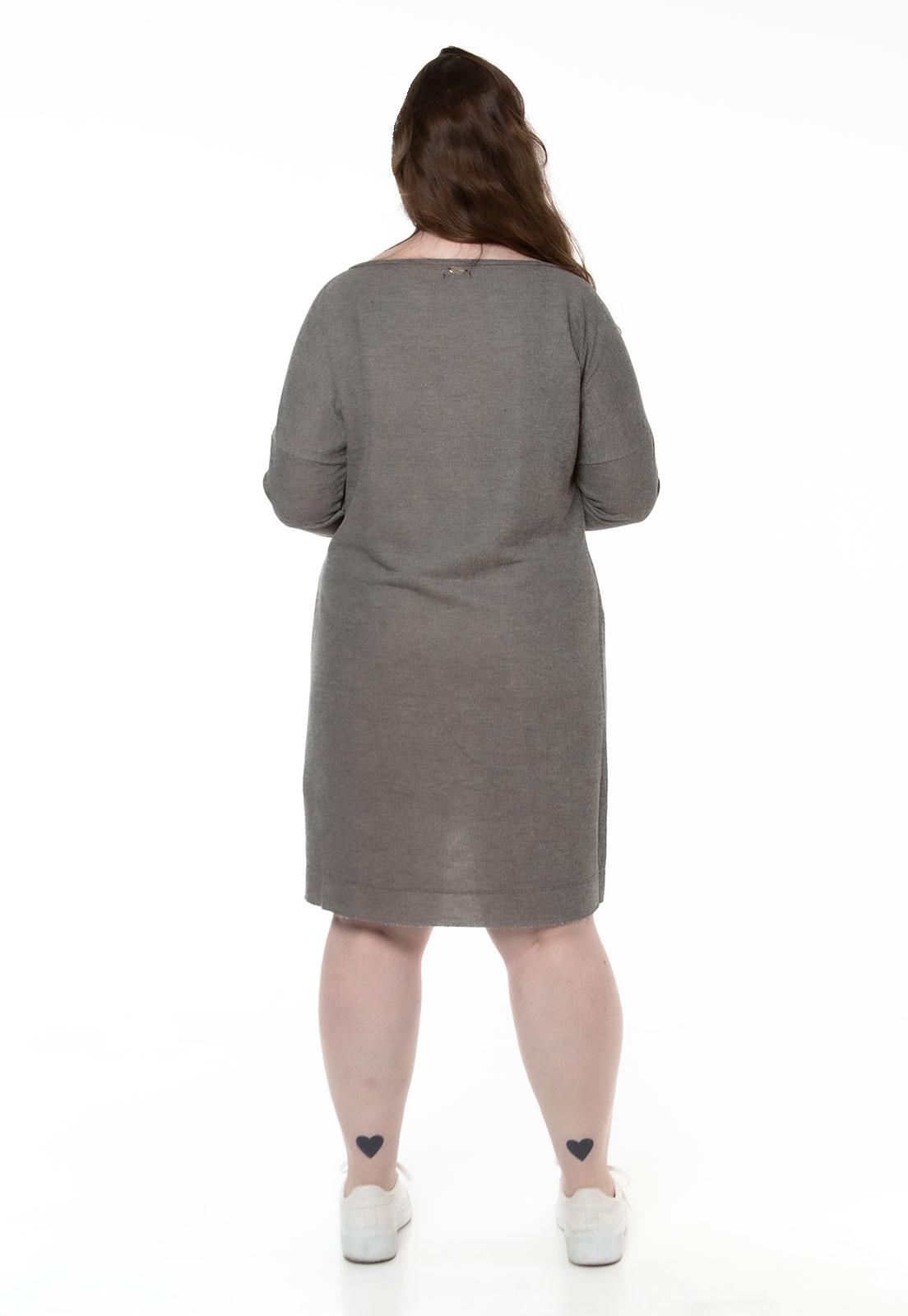 Vestido cinza em moletinho com bolsos frontais