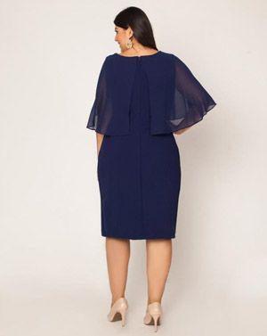Vestido com capa plus size