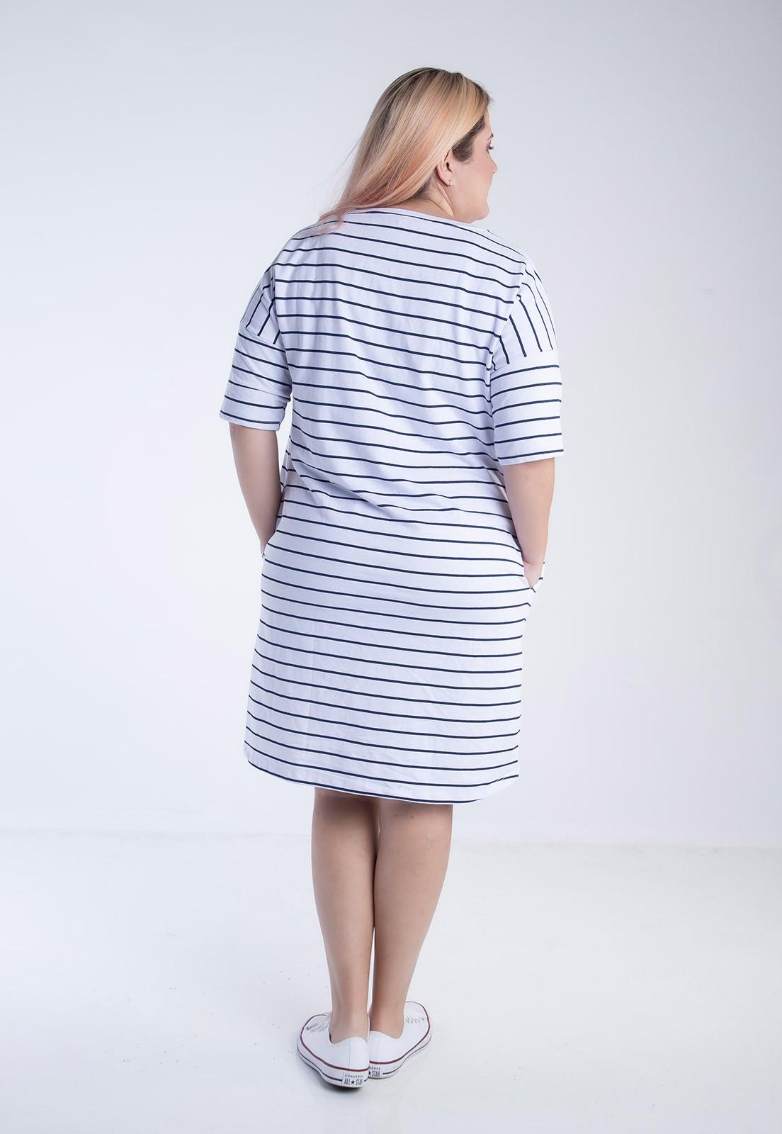 Vestido plus size de moletom oversized listrado branco