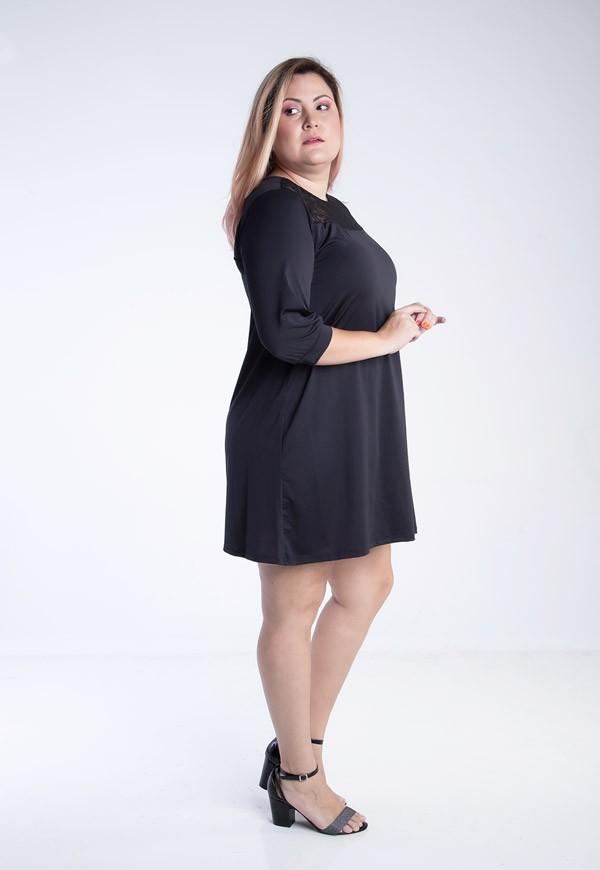 Vestido Plus Size Recorte Em Renda Preto