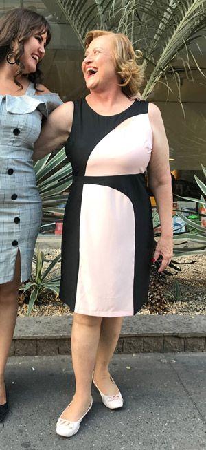 Vestido tubinho com recorte preto e rosa