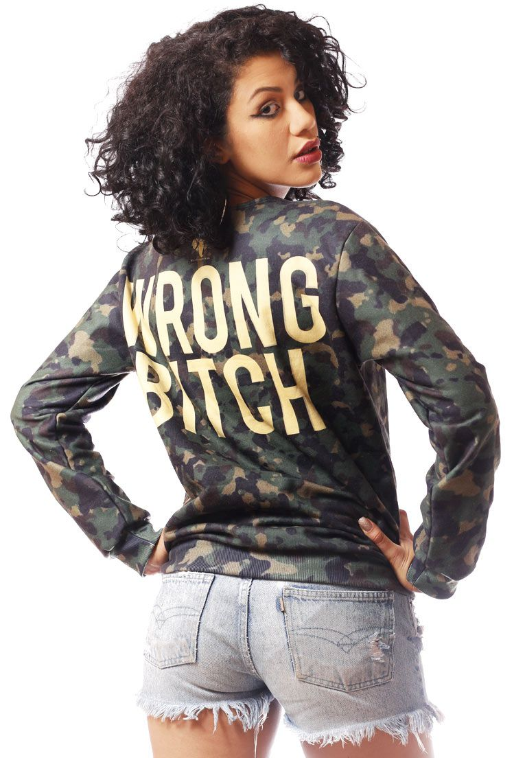 Blusa Moletom Camuflada Estampado Full Print Unissex Wrong Bitch