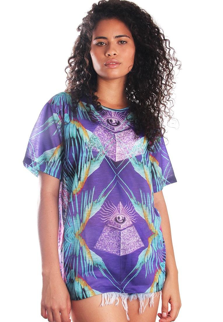 Camiseta Illuminati Estampada Pirâmides Full Print Unissex BF