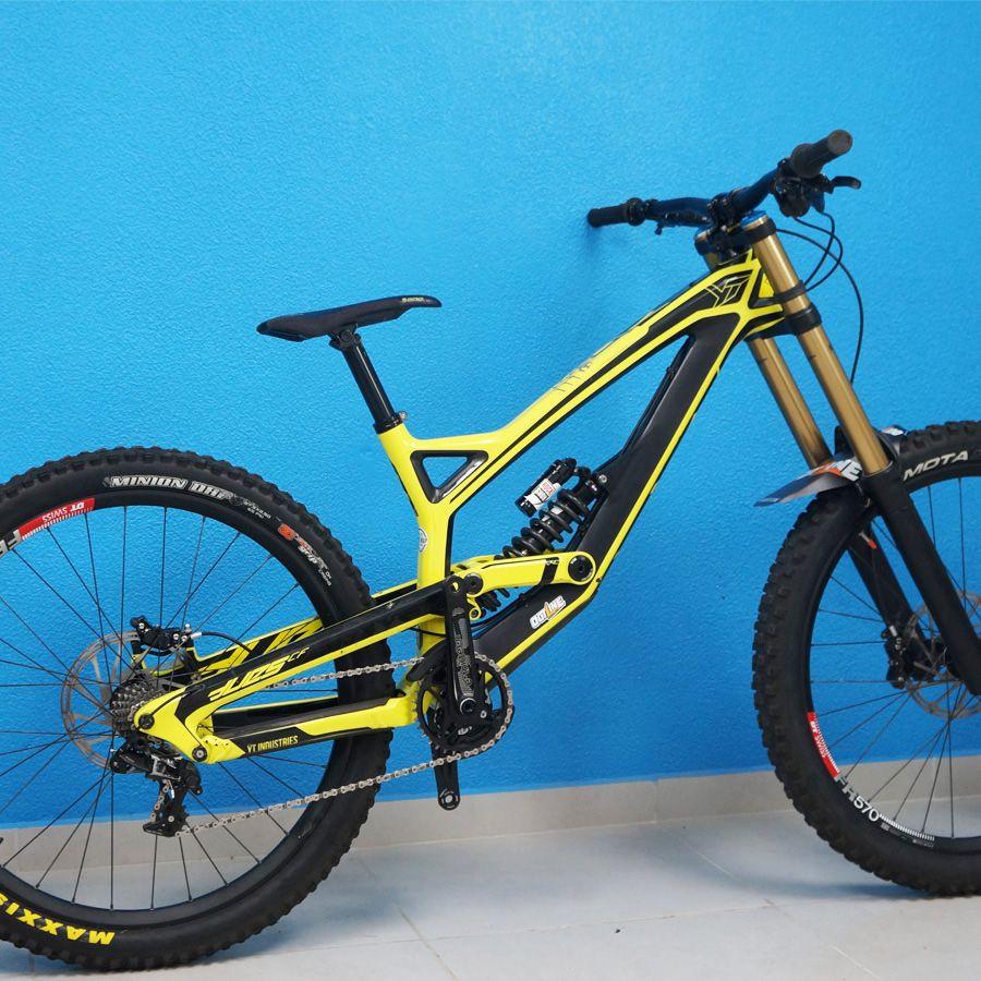 Bike YT Tues CF Carbon 27.5