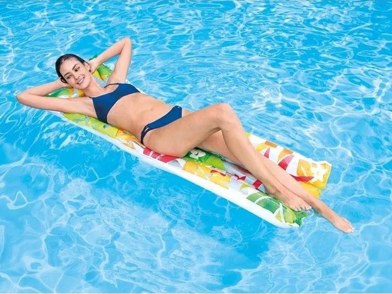 Boia colchão inflável para piscina Bronzeador Branco Florido (183 X 69Cm) 59720-2