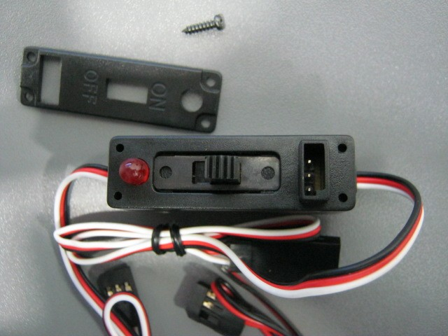 4309 - Chave Liga/Desliga FUTABA Power Switch (2 plug)