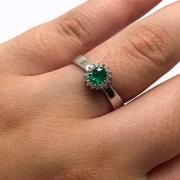 Anel Esmeralda Extra Diamantes Ouro Branco 18K 24325 K655