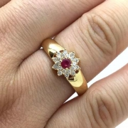Anel Rubi e Diamantes Naturais Princesa Feminino Ouro 22624 K940