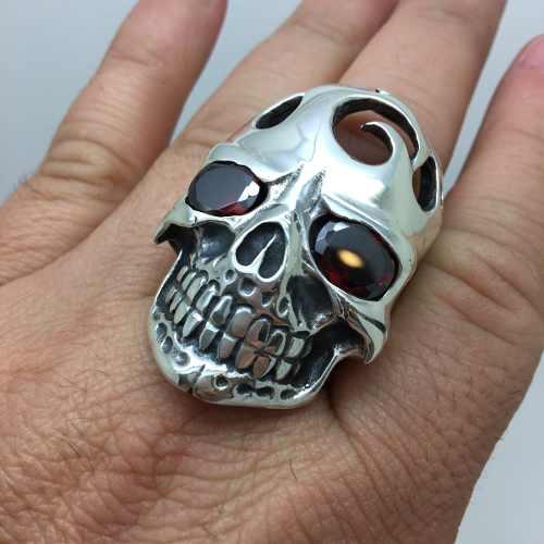 Anel Crânio Caveira Gigante Legitima Prata De Lei Olhos De Pedras Ônix Negro