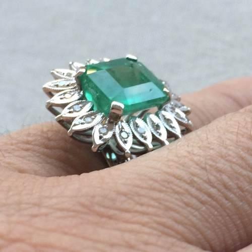 Anel Esmeralda Natural Ouro Branco 18K Diamantes 09214