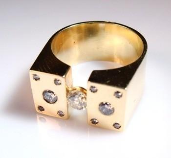 Anel Masculino De Rei Diamantes Genuíno Ouro 18h k1400