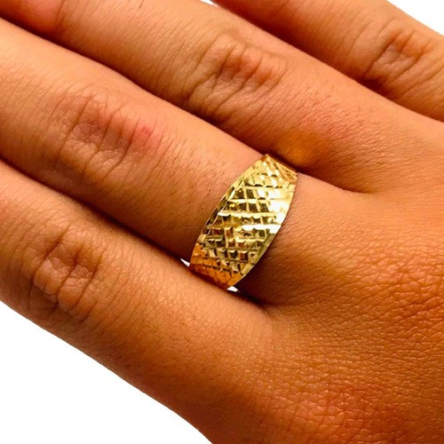 Anel Côncavo Quadriculado Feminino Ouro 18K 22549 K170