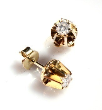 Brinco Diamante Classico 26 Pontos Ouro 18K Classico k610