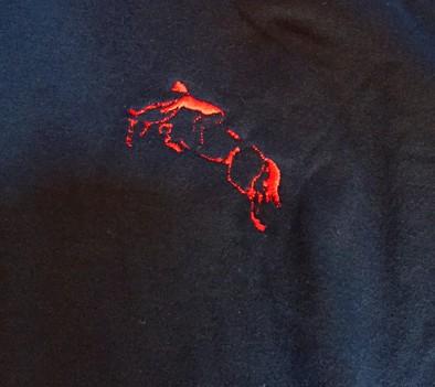 3d43439e68 ... Camisa polo tamanho M azul marinho com detalhes em vermelho com bordado  cavalo saltando - Mania ...