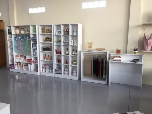 Expositor Colméia Armário Arara Balcão Loja Roupa 9 Peças
