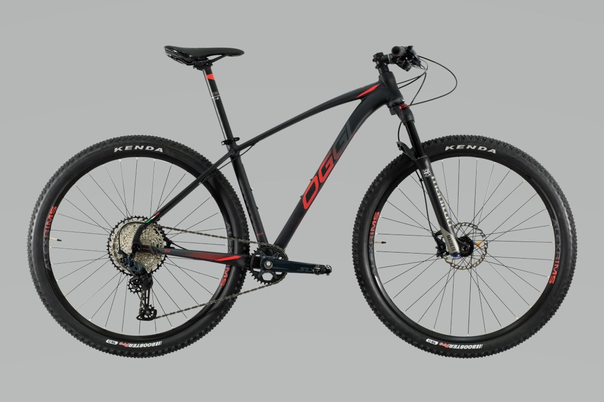 Bike Oggi 7.4 2021 Big Wheel Shimano SLX 12V 10-51 Original Preto e Vermelho