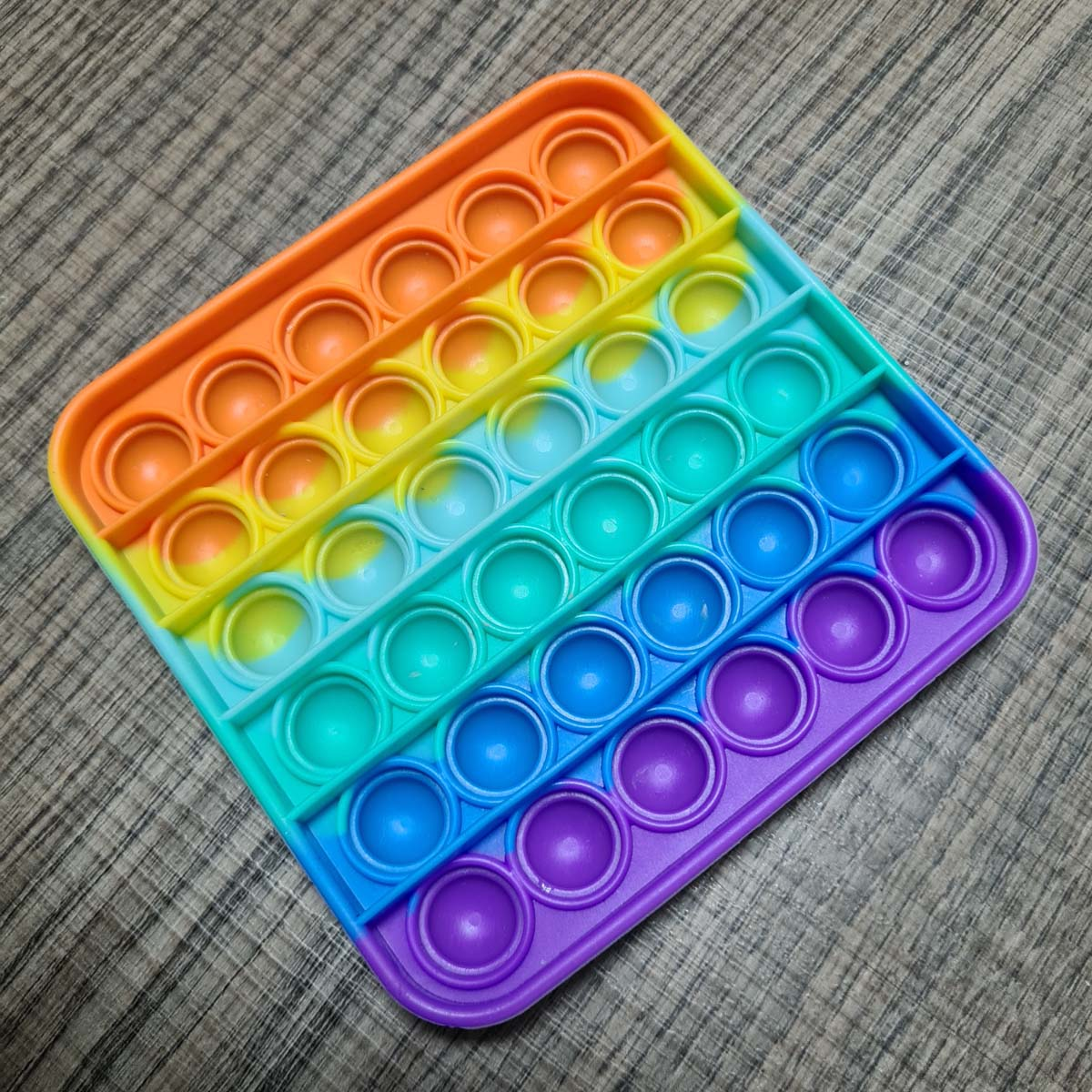 Brinquedo Pop It Fidget Toy Pop Push Bubble  Anti Stress Sensorial Colorido