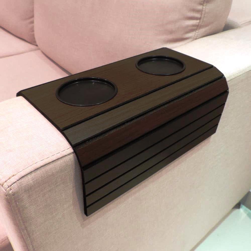 Esteira Para Braço De Sofá Flexível Com Porta Copos Cor Tabaco