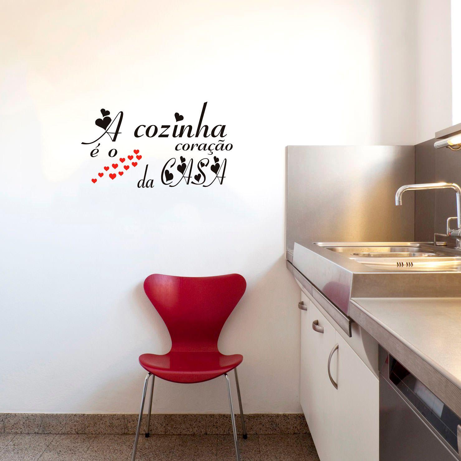 """Adesivo Decorativo Parede """"A cozinha é o coração da casa"""""""