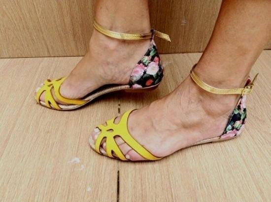 Rasteirinha Amarela Fosca com Fundo Floral | PRONTA ENTREGA ♡ ♡