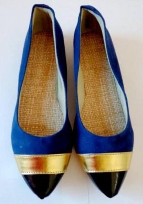 Sapatilha Azul Bico Fino Preto e Faixa Dourada | PRONTA ENTREGA ♡ ♡