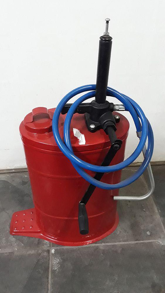 Balde de Óleo Oval 18 Litros para Câmbio e Diferencial Vermelho - Cobel