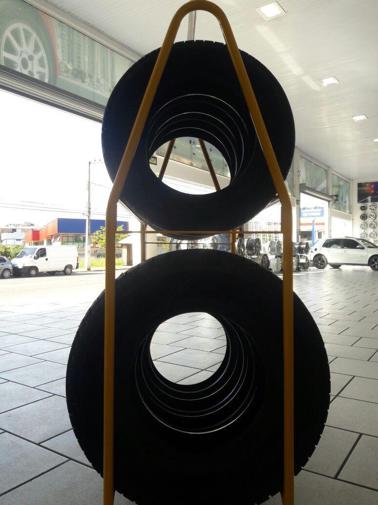 Expositor de Pneus 2 andares Medindo 1 Metro Largura - Modelo 06 - Maki
