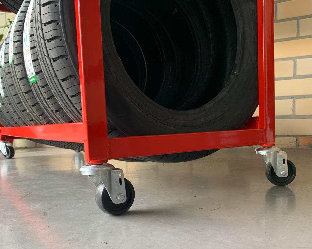 Expositor de Pneus 3 andares Fabricado em tubo de aço desmontável - Modelo 04 - Maki