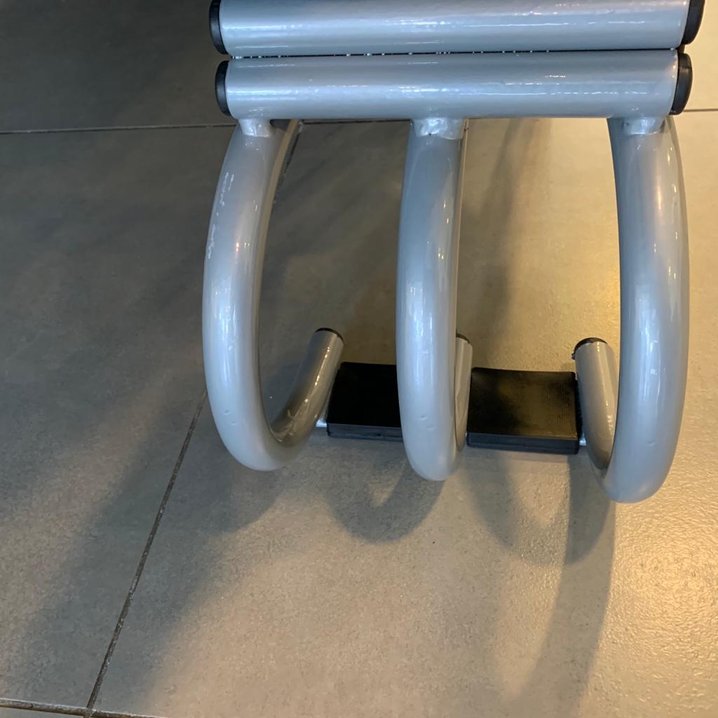 Rampa Expositora Para Carros 25cm de Elevação Capacidade 2.000Kg (Par) Maki - Ref. 325