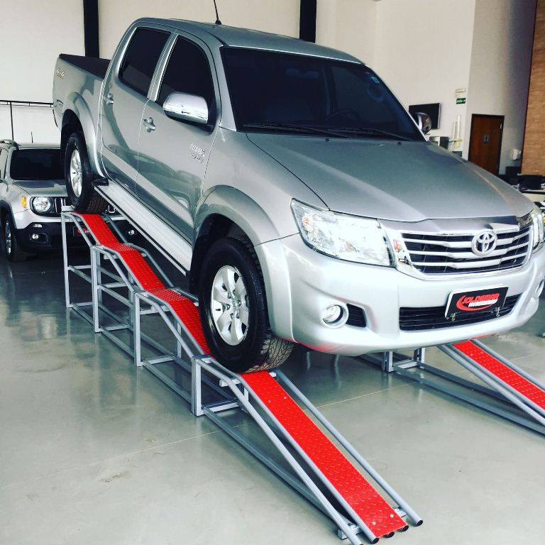 Rampa Expositora Para Carros 0,95mt de Elevação Capacidade 4.000Kg (Par) Maki - Ref. 500