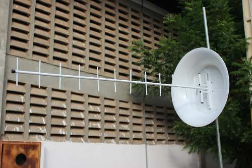 Antena Para Celular Rural 850mhz 24dbi Com Conector (N)