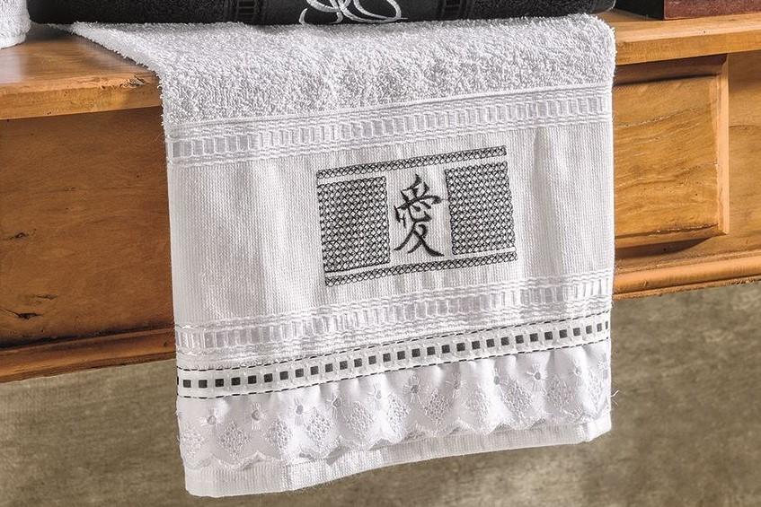 Jogo de Banho Bordado Ponto Russo 05 peças - Preto e Branco