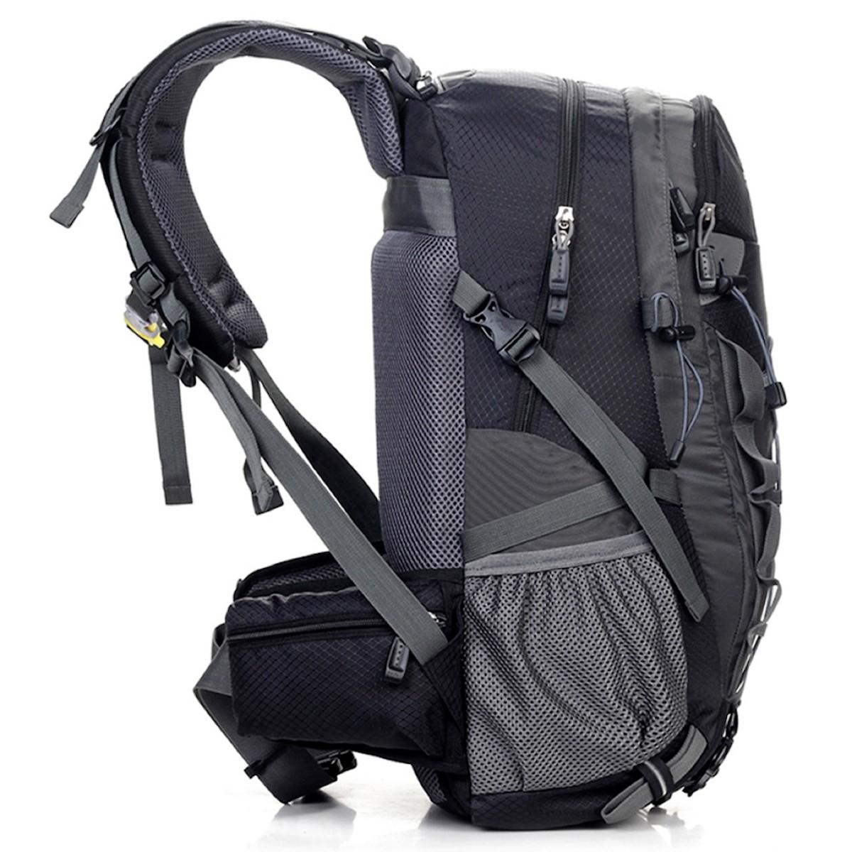 Mochila Cargueira 40 Litros Impermeável com Compartimento para Notebooks de Até 15.6 Polegadas Reforçada e Ergonômica para Camping Trilhas ou Viagens