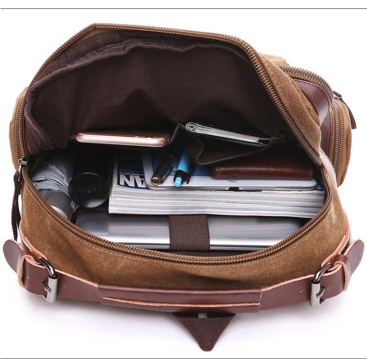 Mochila de Lona Masculina com Partes em Couro e Compartimento Para Notebook