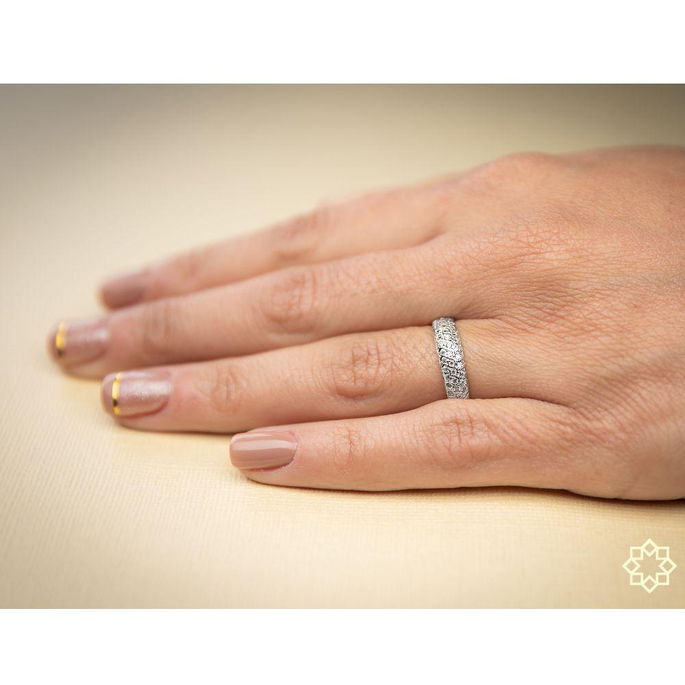 Anel Com Zirconias Dione com zirconias banhado em ouro 18k