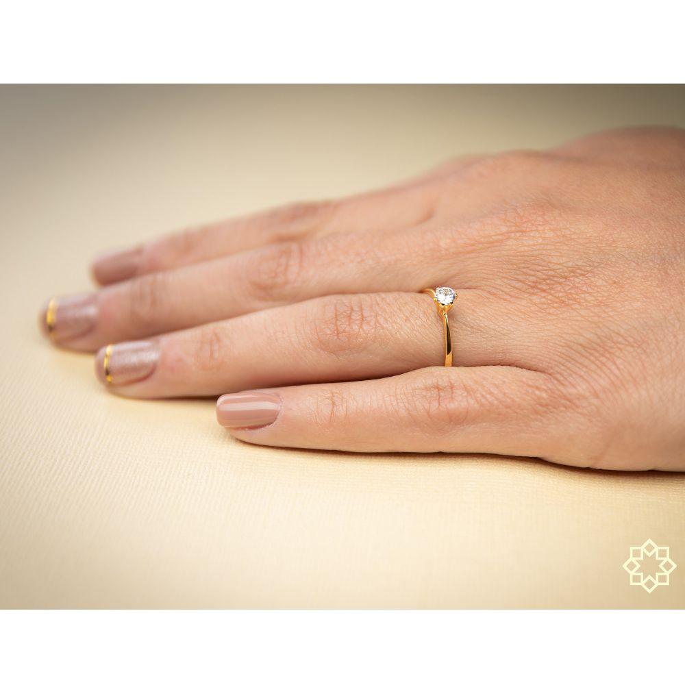 Anel de noivado solitário Com Zirconia Lorena banhado em ouro 18k