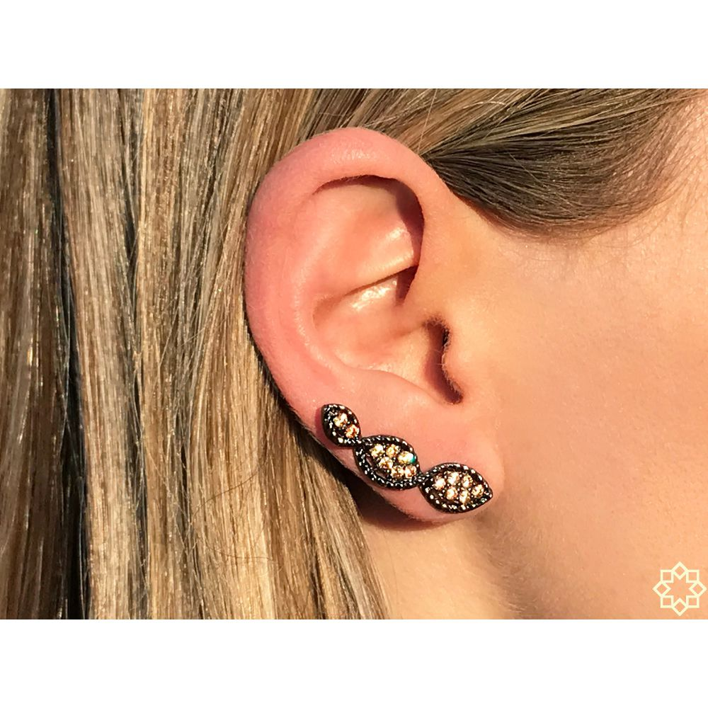 Brinco Ear Cuff Hera Zirconias em ródio negro