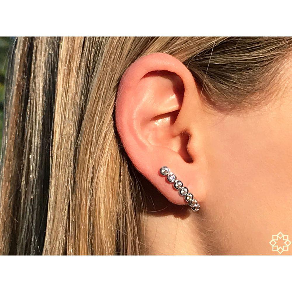 Brinco Ear Hook Com Zirconias Simone