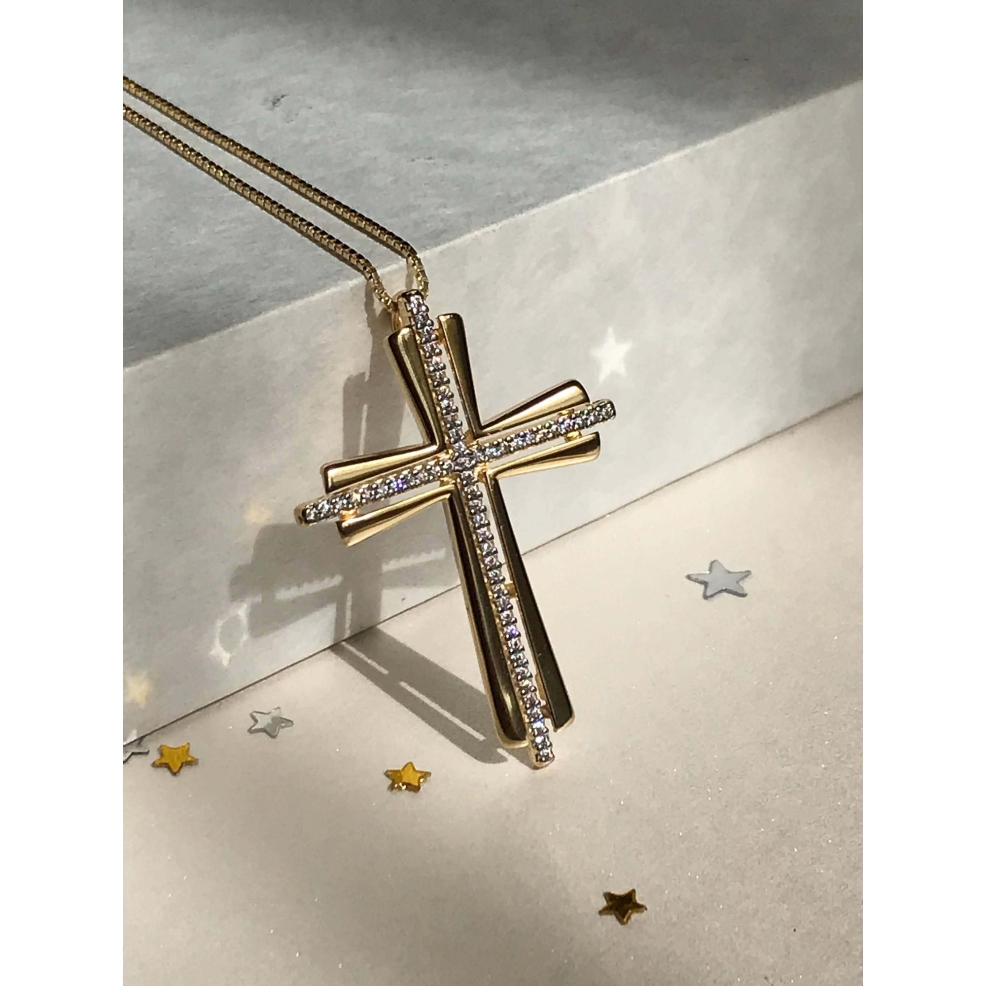 Colar com Crucifixo luxo banhado em ouro 18k com Zirconias